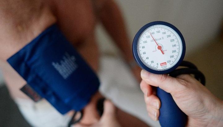 """Медики установили новый """"золотой стандарт"""" безопасного значения кровяного давления."""