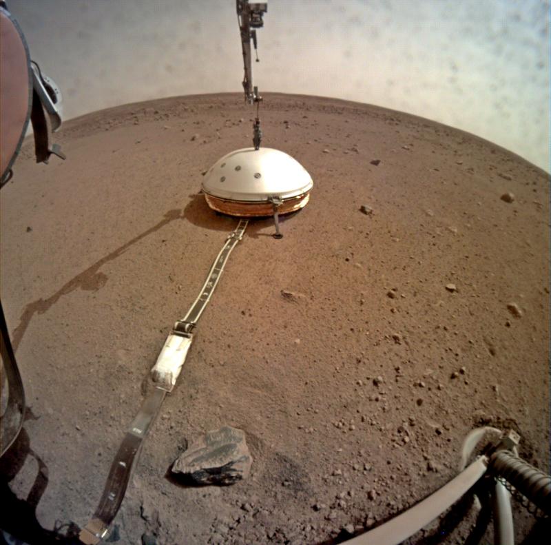 На Марсе появилась первая буровая установка