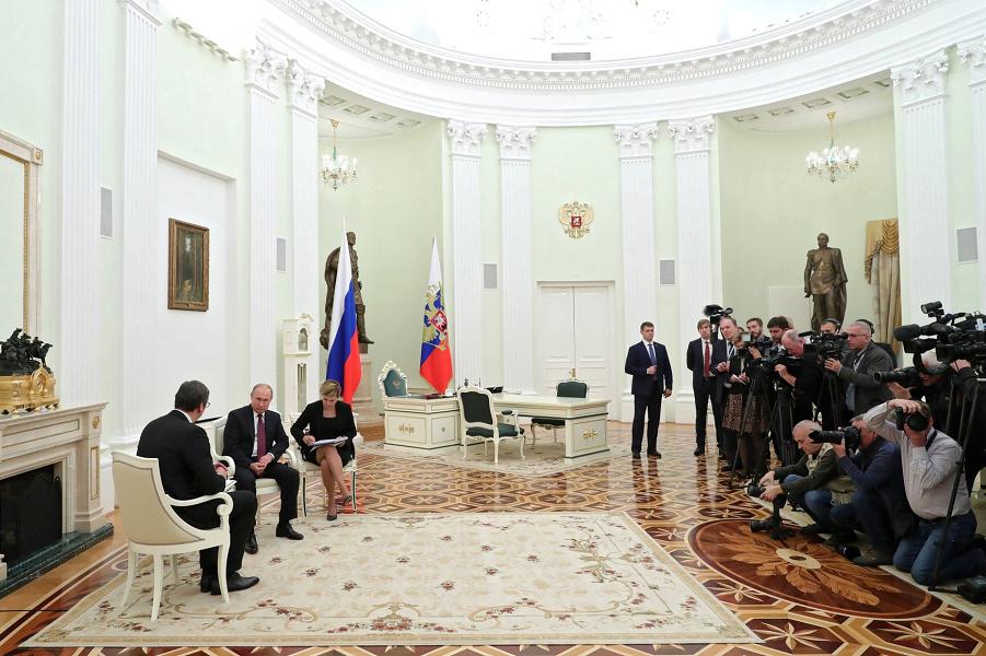Сербия пока останется с Россией. Никакого НАТО