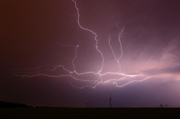 Энергия в облаках. Автор фотографии: Jan Drahokoupil.
