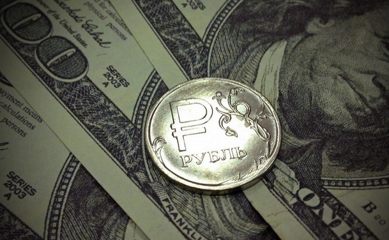 Эксперты: дедолларизация укрепит российскую экономику