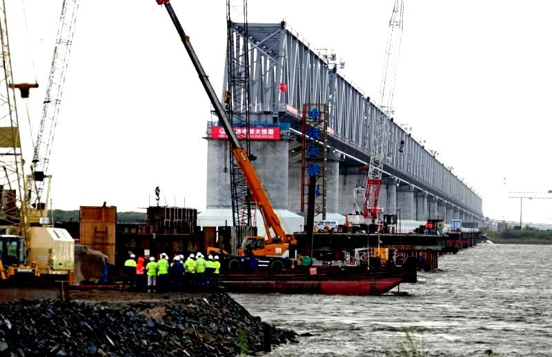 Китай достроил проход в Сиби…