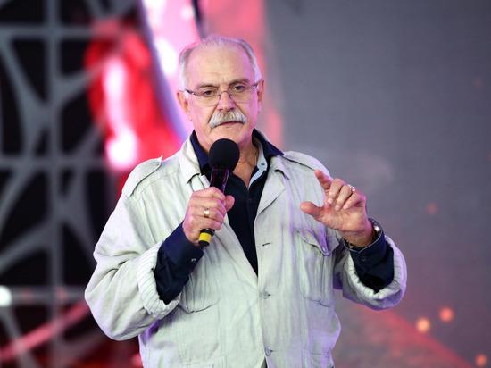 """Михалков назвал место, где Собчак была бы """"гениальным президентом"""""""