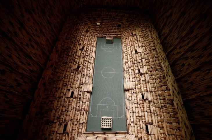 Удивительные работы из спичек от Януша Урбанского