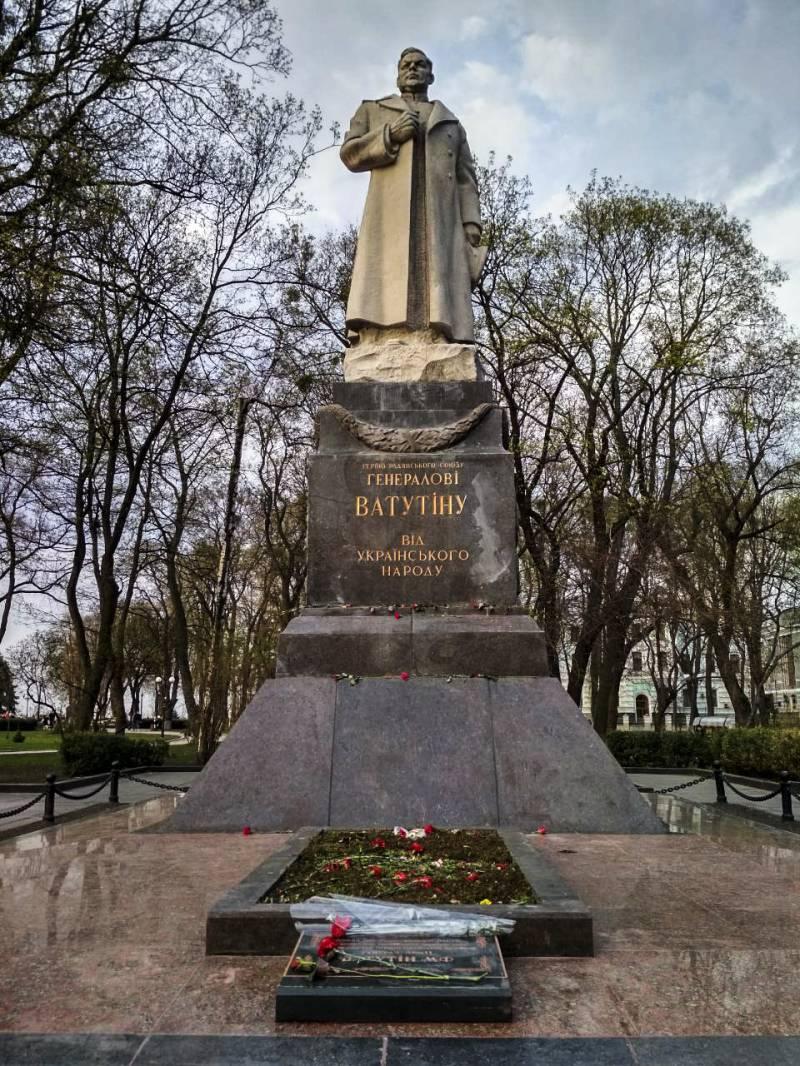 Киев: передышка в войне с памятниками