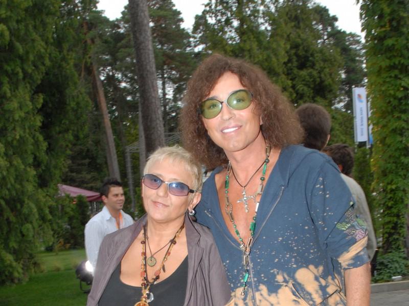 Как сейчас выглядит и чем занимается жена Леонтьева, которой певец верен уже 40 лет
