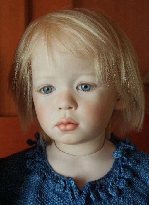 Светловолосая малышка. Автор: Jeanne Gross.
