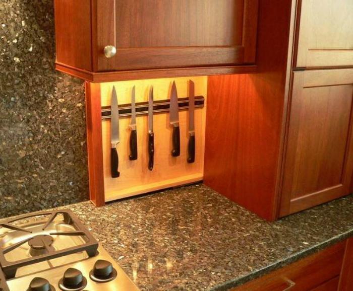 Вертикальный шкаф для ножей. | Фото: Pinterest.