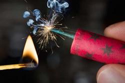 Что надо знать о петардах и салютах, чтобы не омрачить праздники травмами