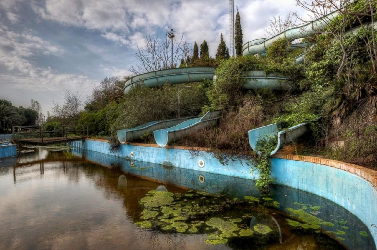 Аквапарк заброшенное, красиво, мир без людей, природа берет свое, фото, цивилизация