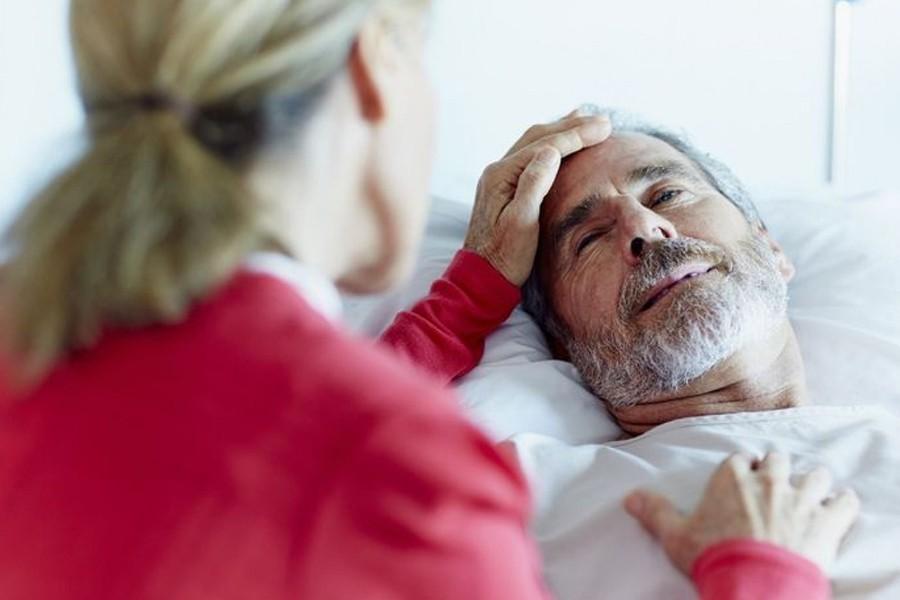 Кто должен ухаживать за стариками, инвалидами? Почему это - обязанность женщины?
