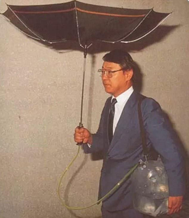 Зонтик для сбора воды забавно, изобретатели, изобретения, новые удобства, удивительное рядом, фантазеры, япония, японцы