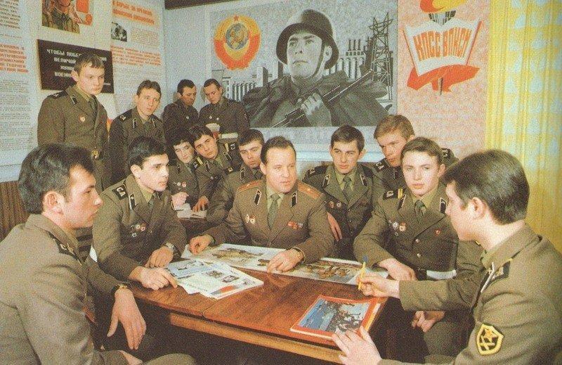 В российской армии хотят возродить замполитов