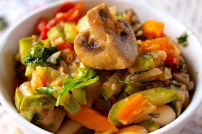 Овощное Рагу для очень позднего ужина с минимальной калорийностью