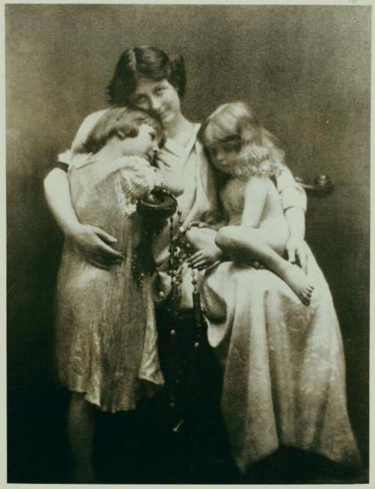 Айседора Дункан с детьми.