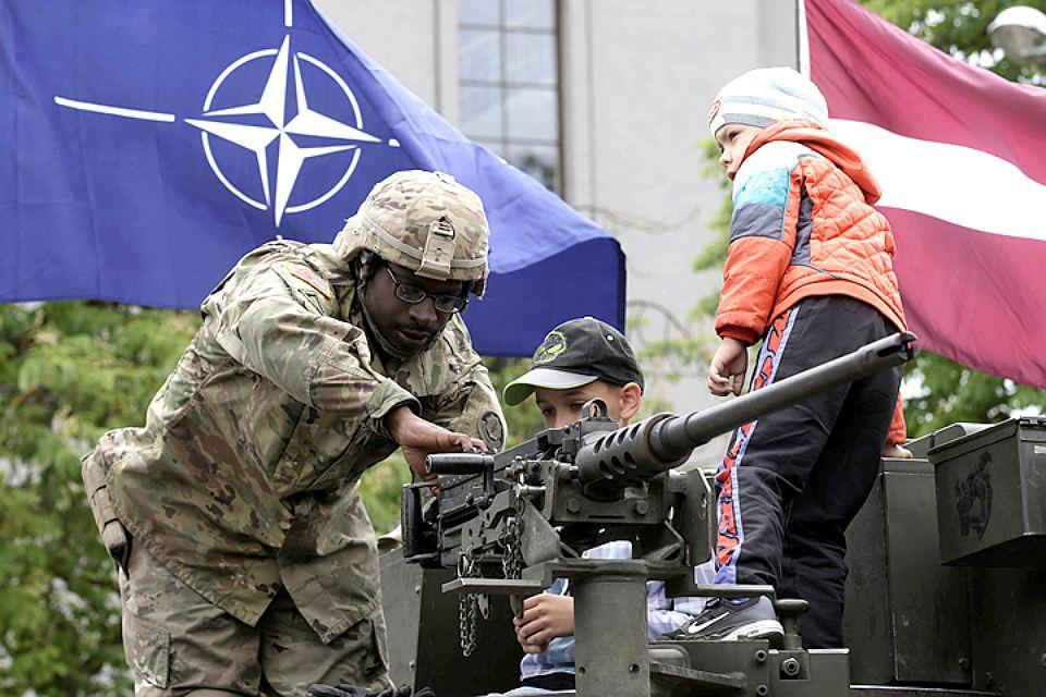 НАТО врёт, что не давало Москве гарантий не идти на Восток