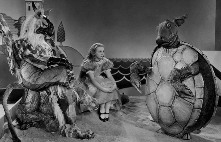 10 любопытных фактов об экранизации сказки Льюиса Кэрролла «Алиса в Стране чудес»
