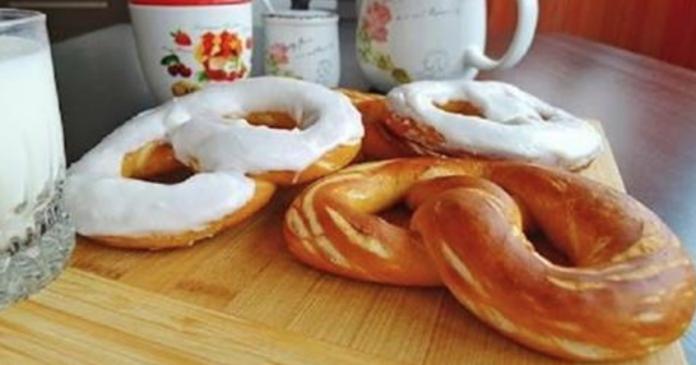 Лучшая компания для свежего молочка: аппетитные большие крендели, щедро покрытые густой сахарной помадкой