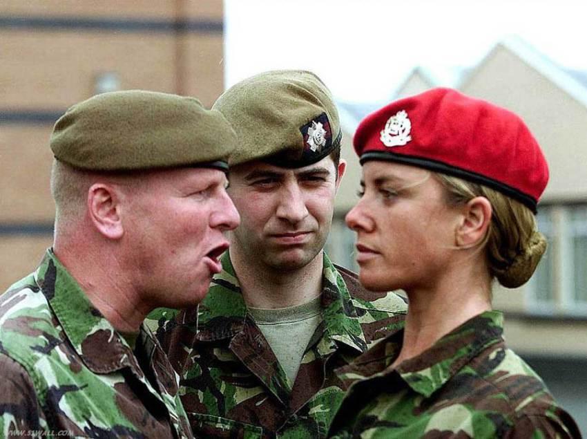 """""""Обряд посвящения"""" в британской армии: как военнослужащие становятся жертвами секс-травли"""