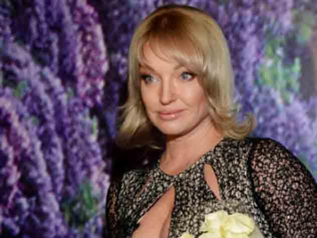 Волочкова получила в подарок от губернатора Краснодарского края сто белых роз