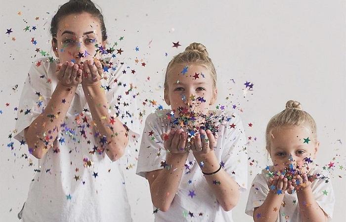 Один в один: 25 веселых и оргинальных фотографий инстамамы и двух ее дочерей в одинаковых нарядах