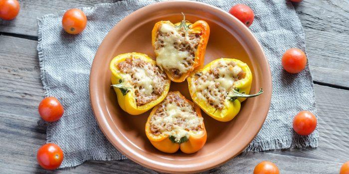 Пикантный перец с креветками и сыром.  Фото: vannadecor.ru.