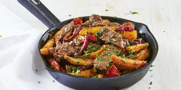 Блюда из говядины: Тёплый салат с говядиной и картошкой фри