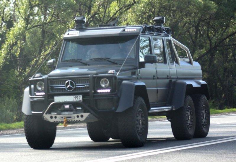 """""""Внедорожные"""" доработки этих автомобилей стали популярны в России. Если честно, мне они не очень понятны, именно в отношении данных автомобилей, но все же… 6x6, amg, g63, gelandewagen, mercedes-benz"""
