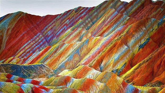 «Радужные горы»  — необычайная красота, от которой дух захватывает!