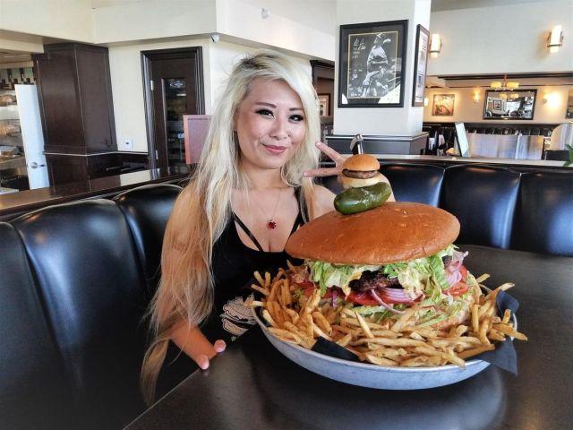 Съев этот бургер, вы заработ…