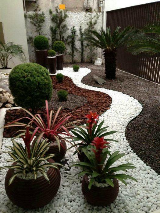 Великолепные примеры использования камней в ландшафтном дизайне