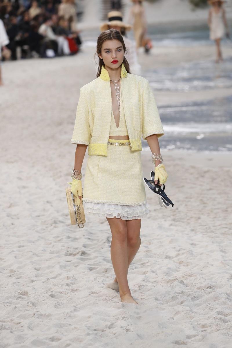 Модные женские образы с юбками