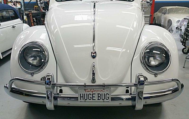 Соответствие оригиналу и то, как всё подогнано, вызывает удивление! В качестве основы используется платформа Dodge Truck, но удлинённая и расширенная, а двигатель - из серии Hemi. beetle, volkswagen, vw