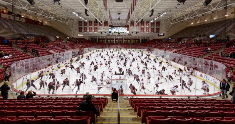 Хаос и динамика спортивных состязаний в коллажах Пелле Касса