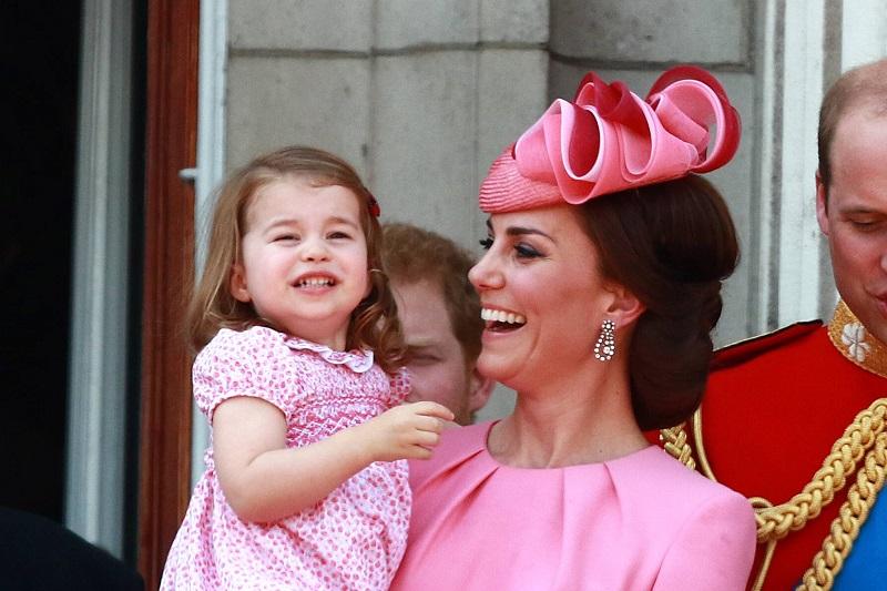 Если Кейт Миддлтон родит сына, ее дочь Шарлотта войдет в историю. И вот почему!