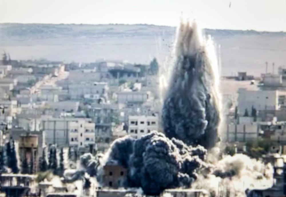 США разбомбили две деревни в Сирии