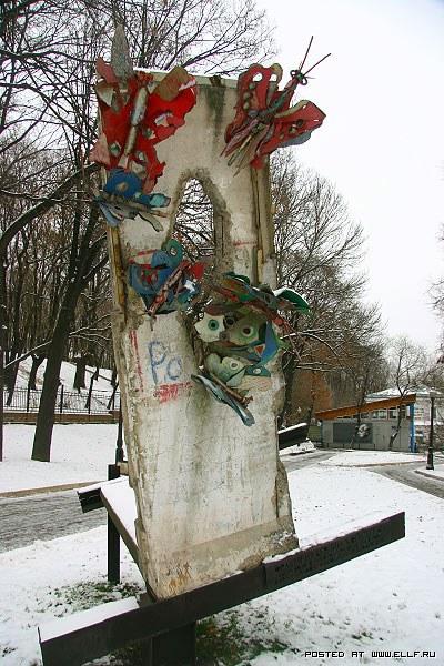 Самые необычные памятники Москвы (63 фото)