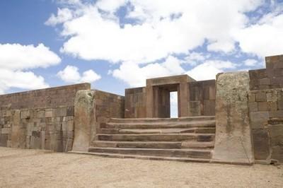 Удивительные камни Пума Пунку Хотя эти древние сооружения не включены в список чудес света, безусловно, это одни из самых древних руин на нашей планете.