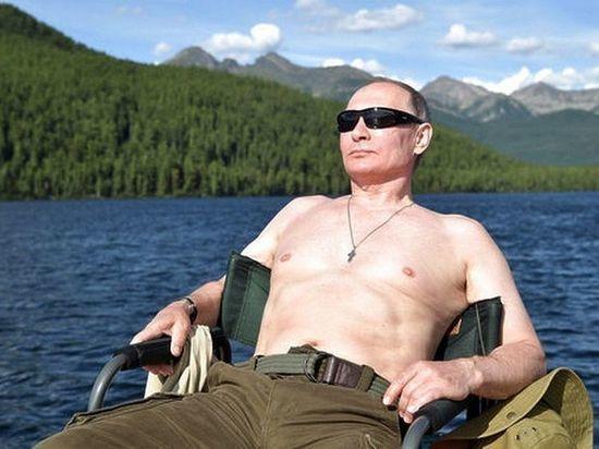 """Путин прокомментировал свои фотографии """"в полуголом виде"""""""