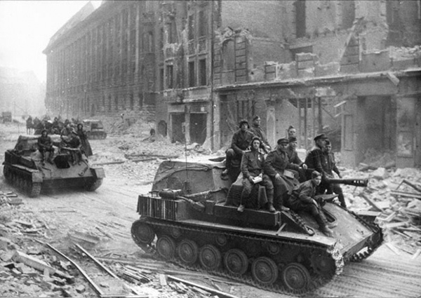 Берлин взяли вовремя