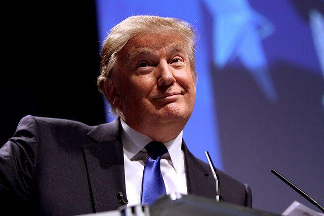 Рейтинг Трампа достиг рекордного показателя