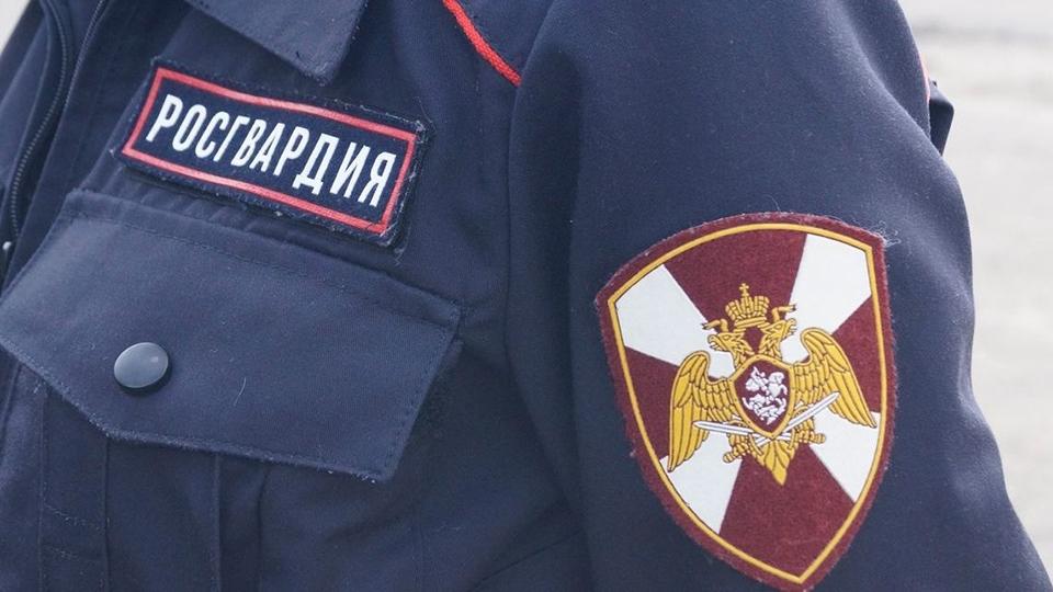 На аллее в центре Саратова обнаружен труп офицера Росгвардии