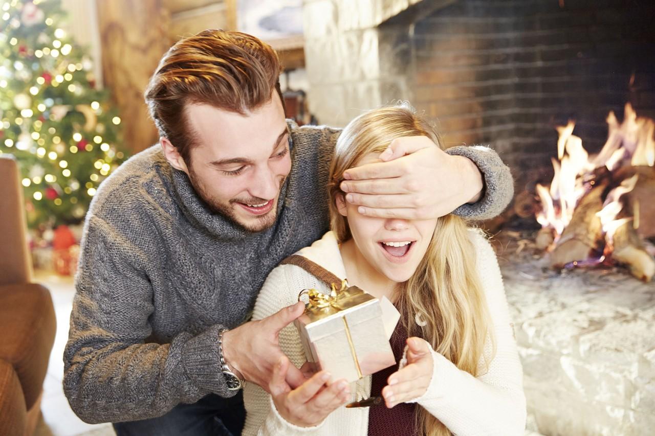 Почему мужчина не дарит подарки любимой