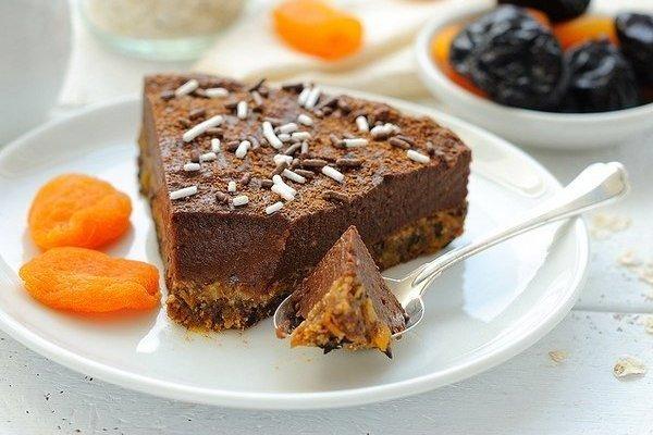 Веганский пирог с финиками