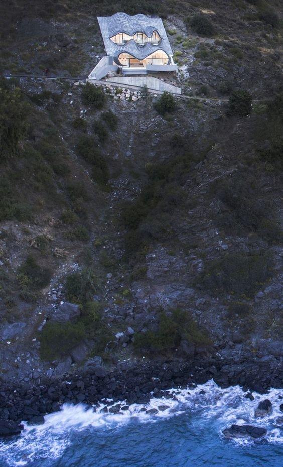 Испания, дом-пещера на скалах дом, интересное, красиво, обрыв, строения