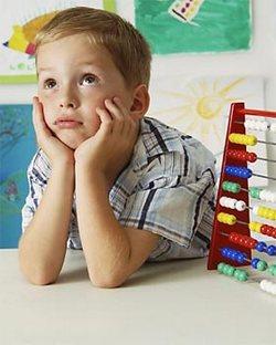 Помогайте ребенку привыкнуть к школьной жизни, и для него это будет интересной игрой, своеобразным переходом в новый мир