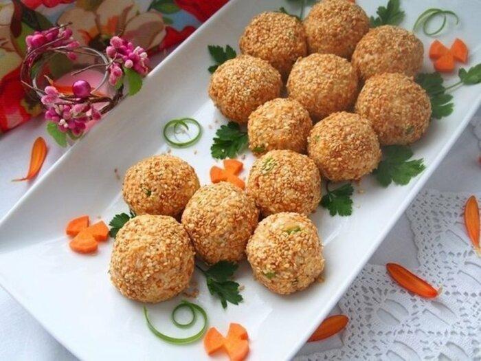 Шарики из печени трески и картошки.  Фото: patee.ru.