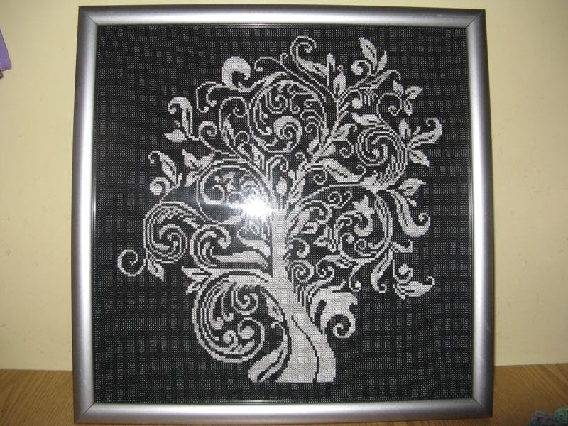 Дерево монохром схема вышивки крестом