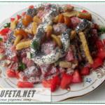Маковый салат с курицей и грибами
