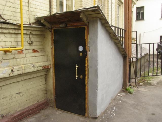 металлическую дверь для подвала